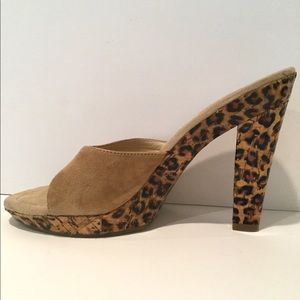 NINE WEST SUEDE & LEOPARD HEELS